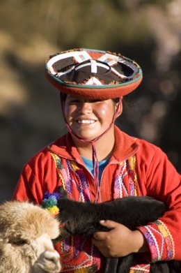 Cusco_Girl__Lama_Lamb.jpg