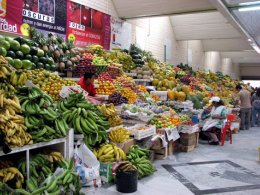 Quito_Fruit__Vege_Market.jpg