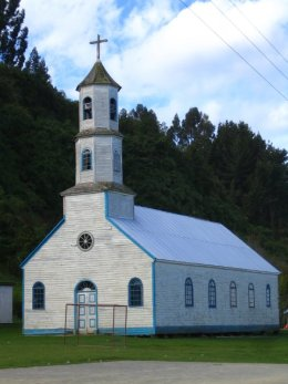 Chiloe_Old_Church.jpg