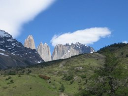 Torres_del_Paine_Mountain_View.jpg